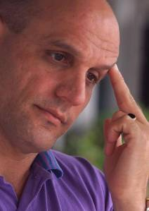 Jose Cohen, pictured at Little Havana's Versailles Restaurant in 2000 (Al Diaz, Miami Herald Staff)