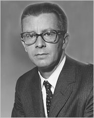 Mario Llerena in 1957. (John Orris/The New York Times)