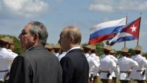 Los presidenteS Raúl Castro y Vladimir Putin durante la visita del mandatario ruso a Cuba en 2014. Foto: AP.